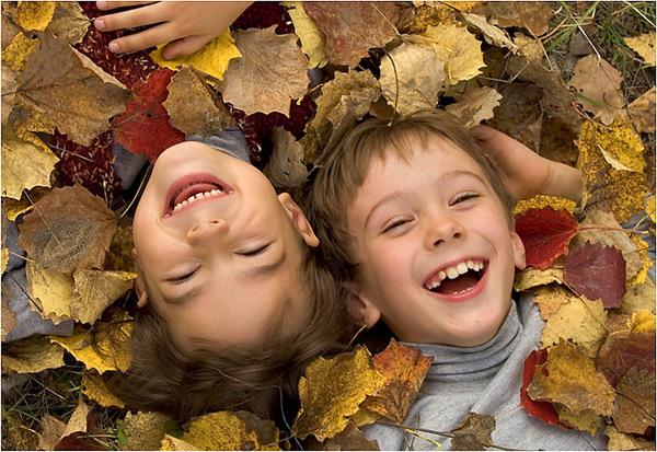 Многообразная гамма чувств, свойственная первой любви в дошкольном и подростковом возрасте, линия поведения родителей, сохранение доброго отношения к чувствам ребенка,  помощь и сочувствие, поддержка ребенка в эмоциональной сфере