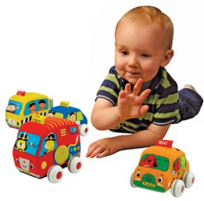 Ваш ребенок предпочитает машинки всем остальным игрушкам? Тогда используйте это для развивающих игр с малышом