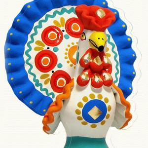 Дымковская игрушка имеет длинную историю. Первоначально свистульками встречали весну, постепенно она утратила эту функцию  и стала просто декоративной игрушкой. Дымковские игрушки очень просты не только в технике изготовления, но и в использовании при раскраске простого орнамента. Глиняные свистульки лепят руками и раскрашивают в яркие цвета.