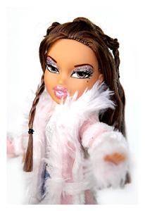 Как появились и завоевали всемирную популярность куклы Братц. Какие их виды существуют и какие дополнительные аксессуары к ним можно приобрести