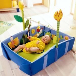 Для малыша зарядка – основа всей его будущей жизни, так как давно установлена прямая зависимость развития интеллекта ребенка от его физического развития