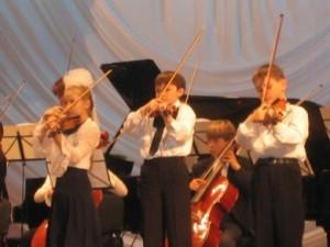 Юные музыканты-вундеркинды. Можно ли вырастить второго Моцарта?