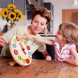 Учим малыша пользоваться часами: когда и с чего начиначть обучение. Рекомендации и советы