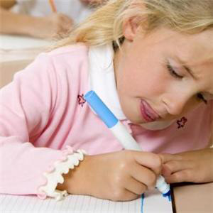 С началом учебного года глаза школьника подвергаются повышенным нагрузкам. Сохранить зрение поможет следование рекомендациям офтальмалогов.