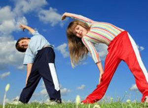 Веселая зарядка для детей 2-3 лет на укрепление мышц брюшного пресса